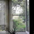 Як поставити москітну сітку в пластикове вікно?
