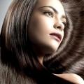 Як пофарбувати темне волосся в світлий колір?