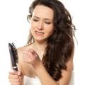 Як зупинити випадіння волосся після пологів?