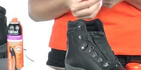Як видалити віск з взуття?