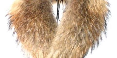 Як почистити комір пальта з хутра?