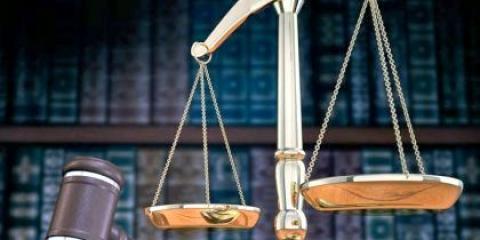 Як поступити і вивчитися на юриста?
