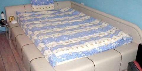Як правильно поставити ліжко в спальні?