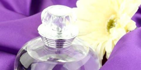 Як в домашніх умовах зробити духи на водній основі?