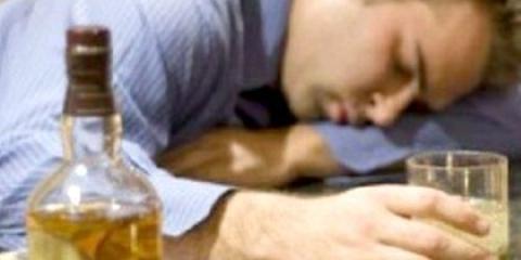 Як вивести з алкогольного сп'яніння людини в домашніх умовах?