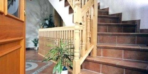Як покласти плитку на сходинки?