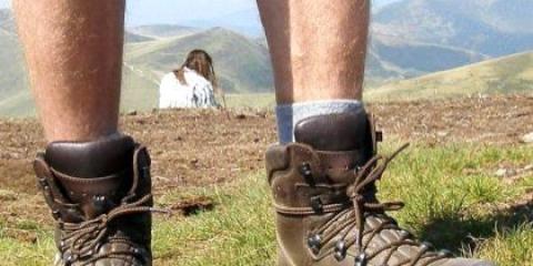 Як правильно вибрати взуття для походів?