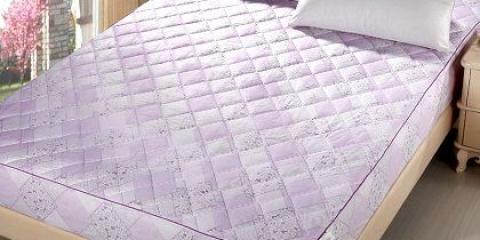 Як закріпити матрац на ліжку?