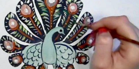 Як намалювати павича аквареллю?